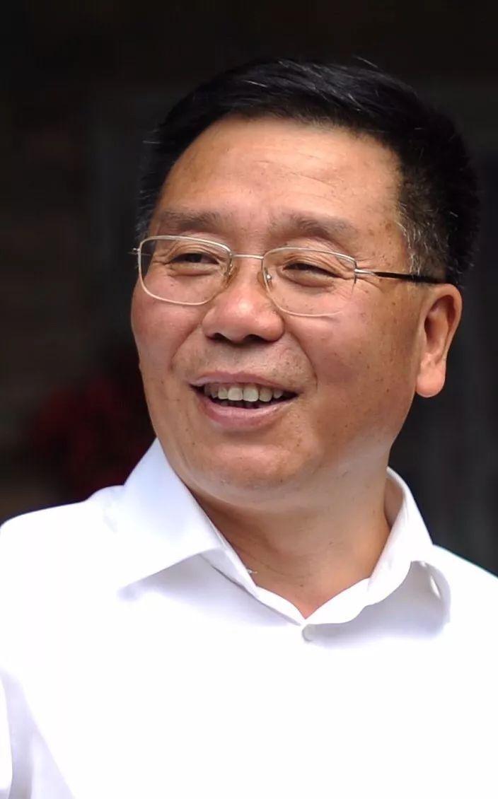 茅台换帅:袁仁国卸任,李保芳接棒后将面临两大挑战!