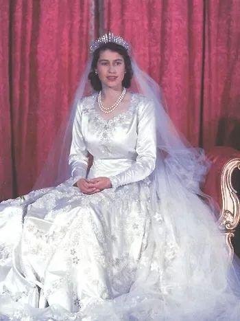 29 查尔斯王子 & 戴安娜王妃世纪婚礼 1981 年 7 月 29 日,20 岁的