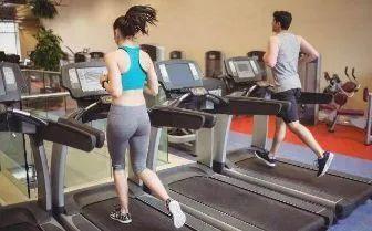别闹了!想减肥瘦男子家属下跪求助身每次跑二十分钟是不够的!