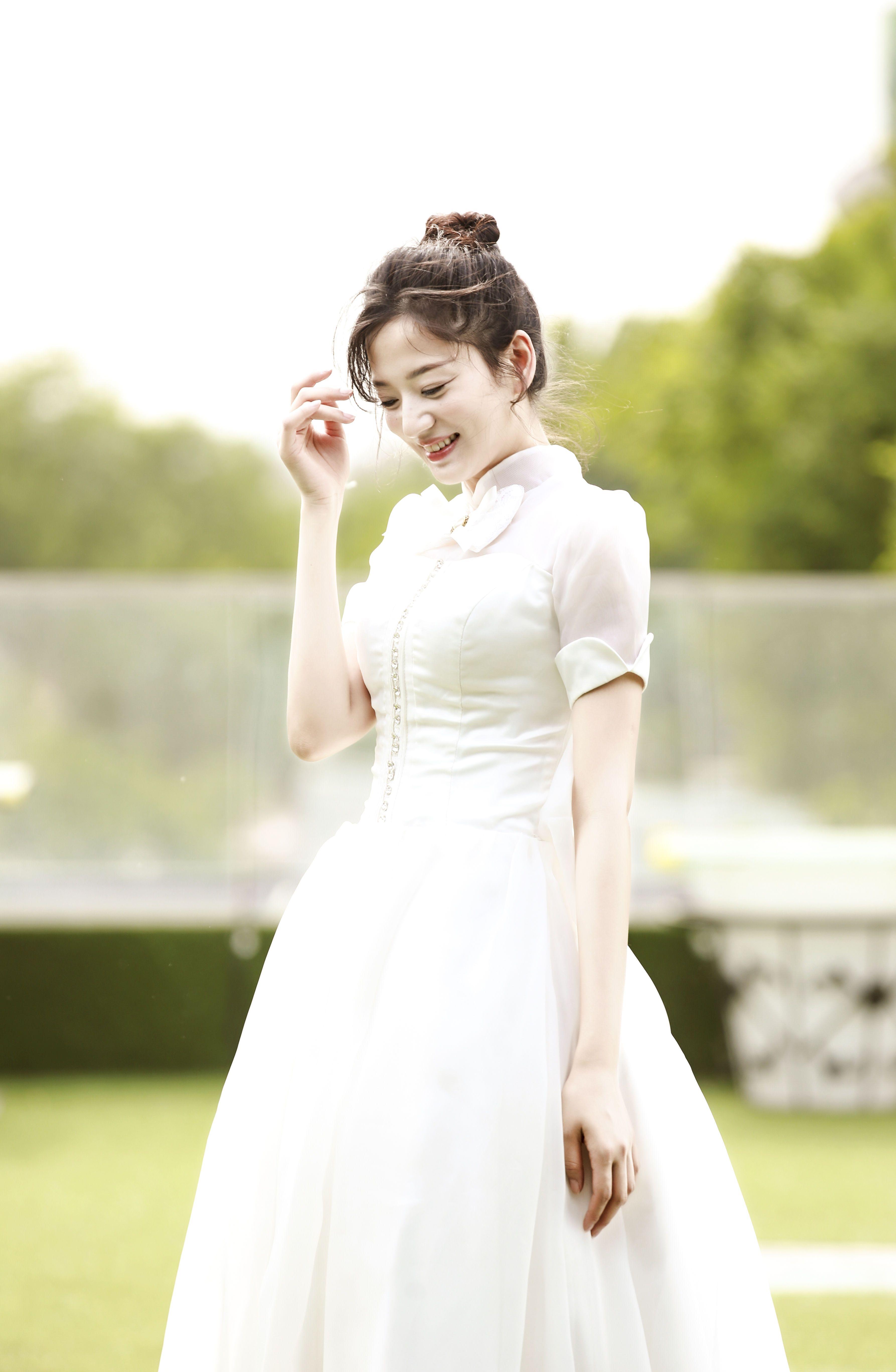 唐本白色电影亮相大学生电影节a电影怪物外国俏皮高贵青春魔幻纱裙排行榜图片