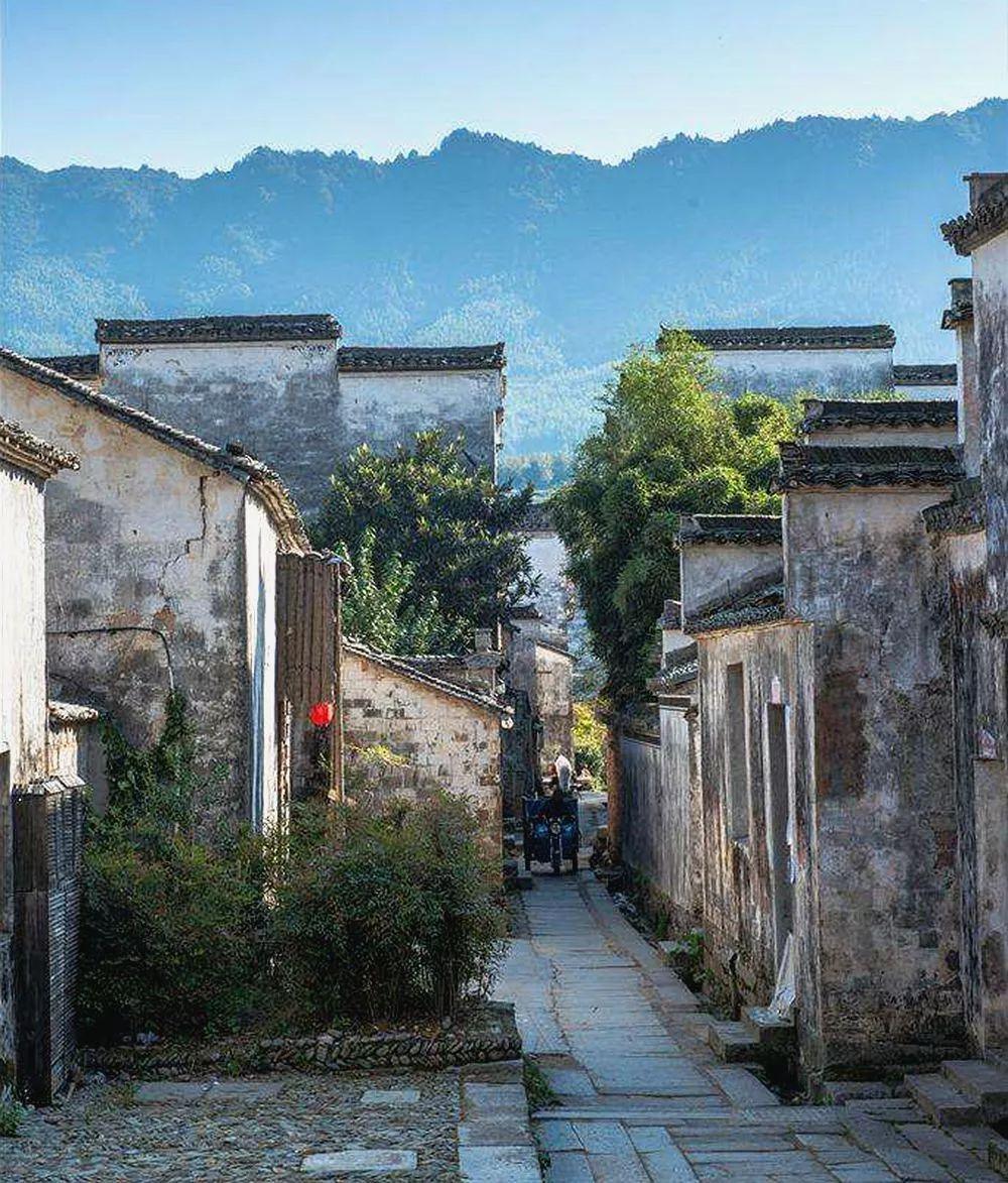 华东竟还藏着个绝美悬崖古村,99%人却连她名字都不识!