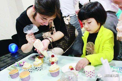 【0元參與】寶貝的吻,分享甜點,紙杯蛋糕diy,炭包康乃馨diy,感恩賀卡圖片