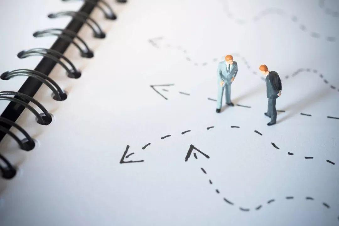 战略大师迈克尔·波特的公司破产:他的理论也破产了吗?| 文末有福利