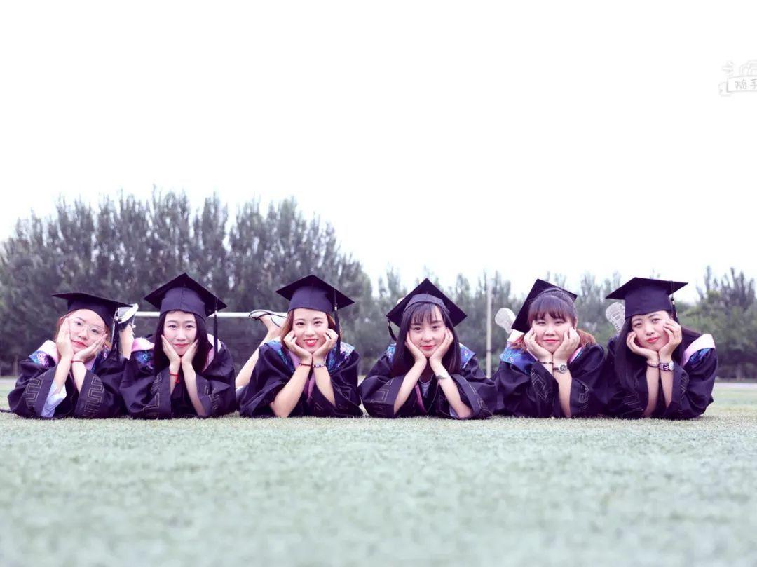 又是一年毕业季, 100个毕业照姿势助你朋友圈c位出道!图片