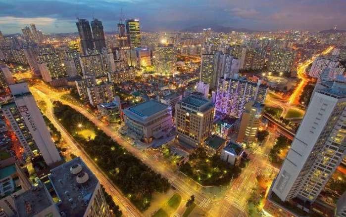 2019各大城市经济_《2019城市商业魅力排行榜》显示,长沙的商业资源集聚度明显上升,...
