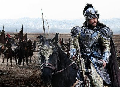 而北京被攻破了,然后袁督师带兵收复北京,那督师大人的功劳就更大了