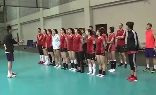 """郎平""""重掌""""中国女排_15日中国女排将迎18年首秀"""