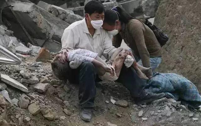 十年前,汶川大地震中来南京救治的小女孩长大了!
