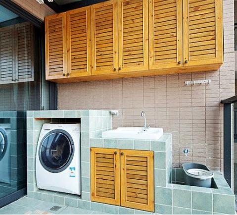 阳台洗衣房如何设计?水费都白交了!这样装省钱更实用图片