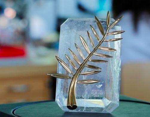 这座晶莹剔透的电影金棕榈奖座奖项戛纳电影节的最高闪光就是了.匹克印度2018年新奖杯图片
