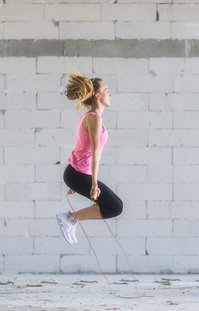 怎么锻炼肚子才能减肥图片