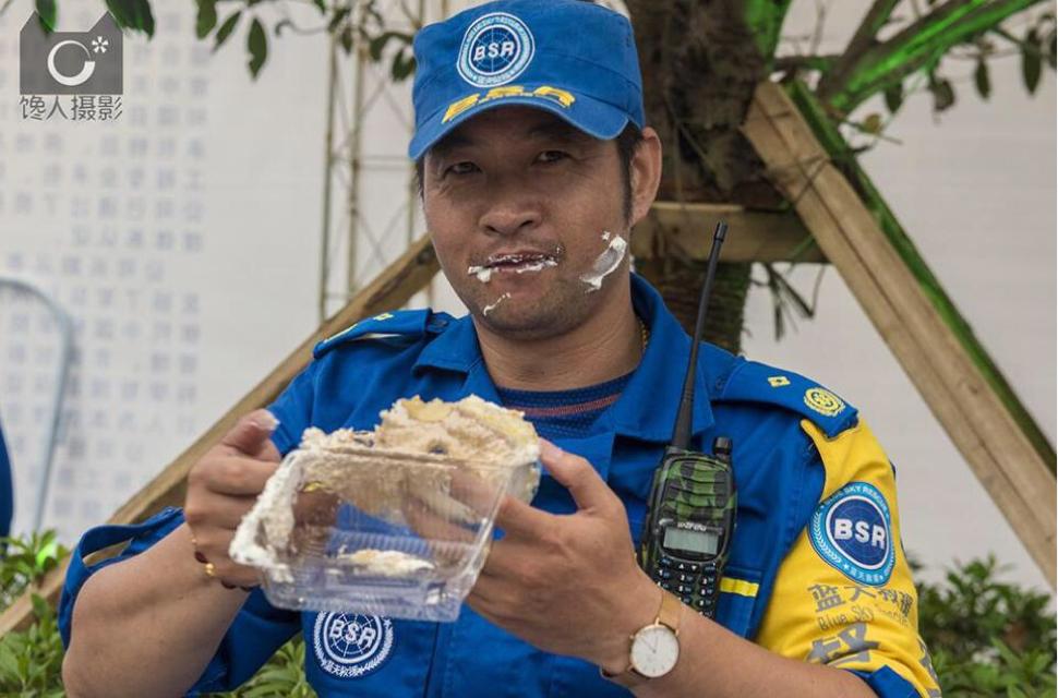 嘗一口剛剛打破吉尼斯記錄的蛋糕  3188米長8頓重 中國的面包之鄉名不虛傳
