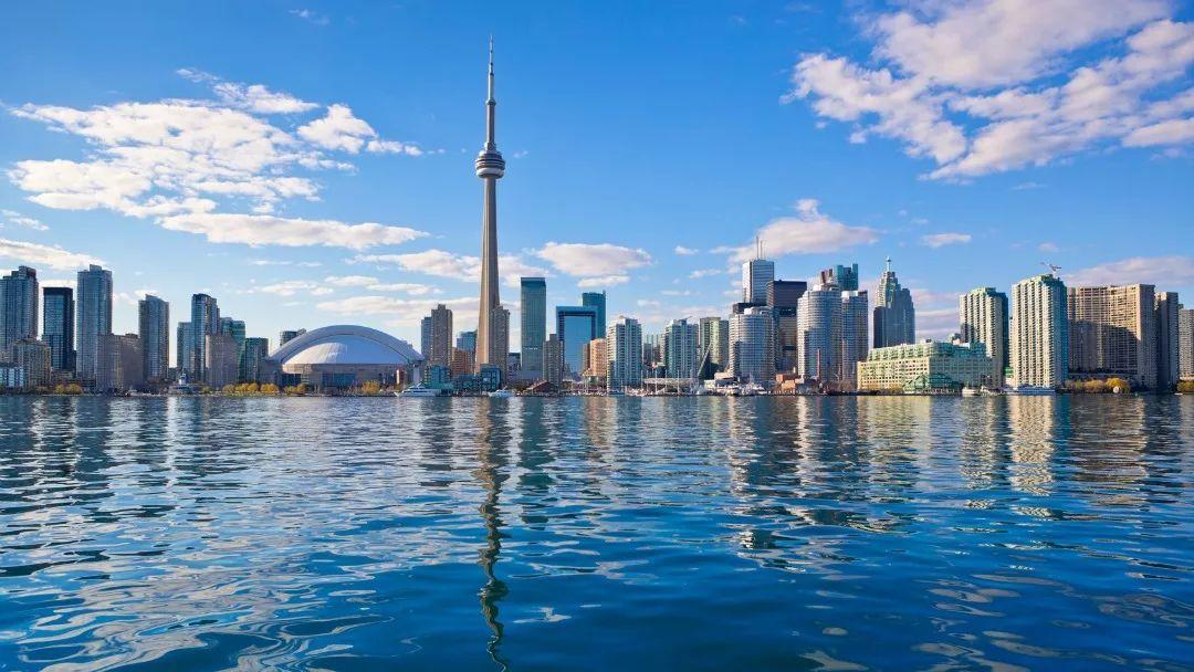加拿大总人口有多少_加拿大和中国时差多少