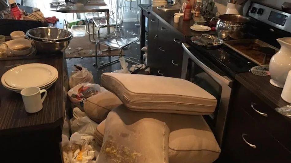 EJ 没有提供照片,另一个家里被租客破坏的房东拍下家中乱象