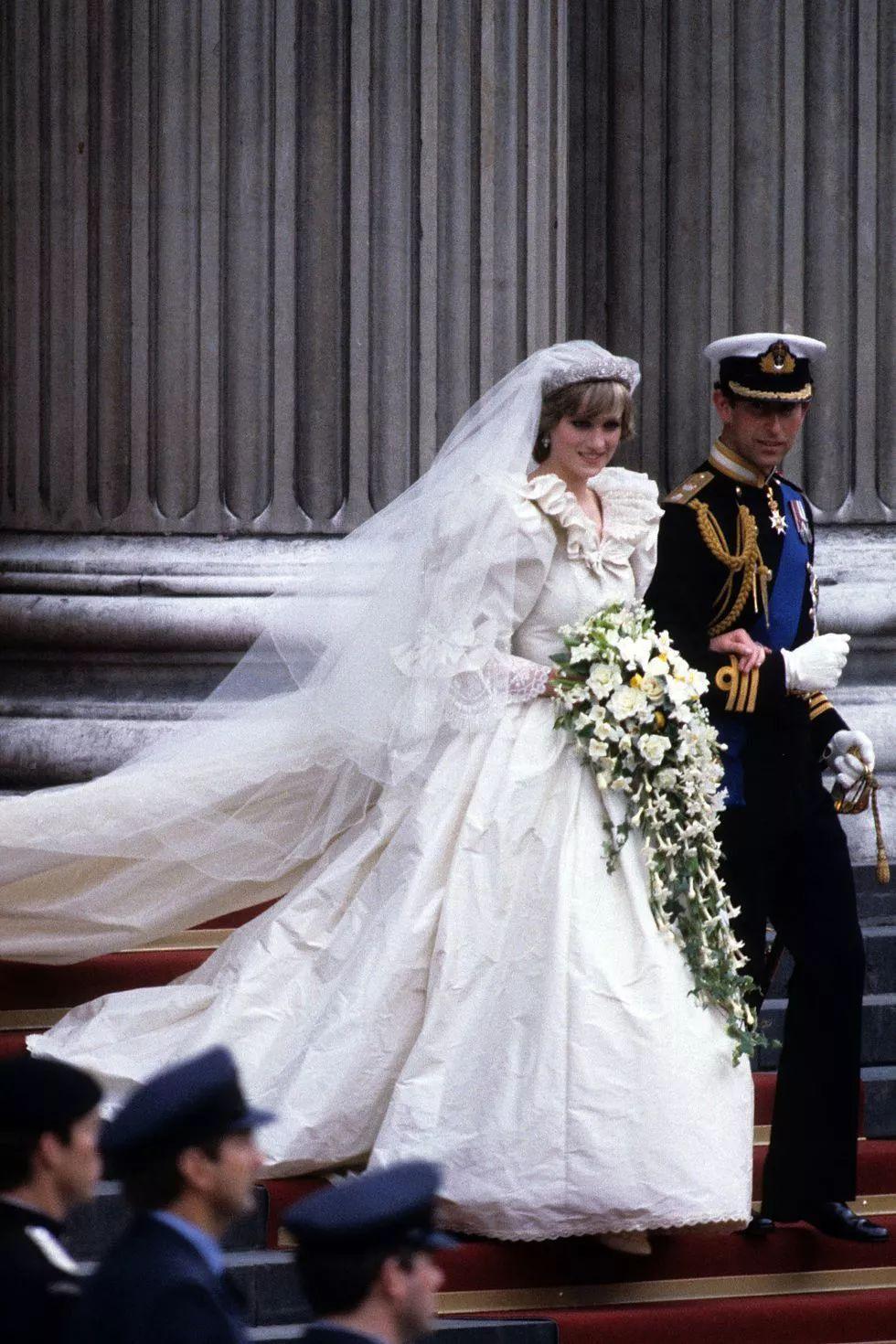大婚将至,哈里王子却连礼服都还没选好?