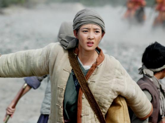 乔振宇王丽坤分手_曾是乔振宇最爱女人,红了十年却隐藏年龄,今终于走上国际舞台