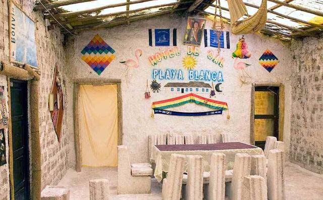 南美洲有个用盐做的酒店,游客花1000元住一晚就是去舔墙?