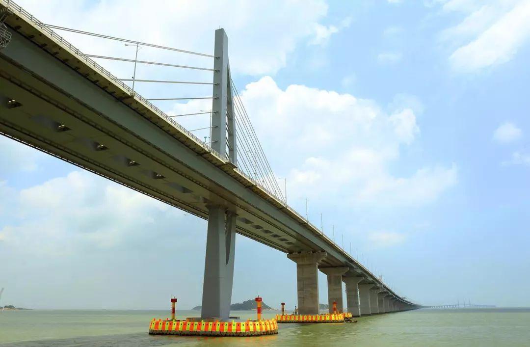 港珠澳大桥海上游开通了,带你一睹8大景点,很震撼 票价多少