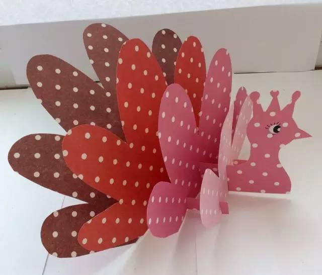 【创意手工】—彩纸制作呆萌的开屏孔雀