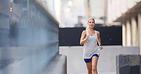 爱跑步的人记得互相提醒,这样跑,会跑出一身伤! - 大山深处 - 大山深处的博客