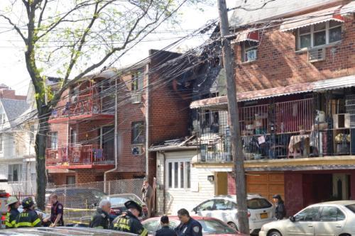 美纽约独栋房屋失火10人受伤 华人邻居惊魂未定