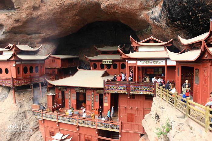建在悬崖的寺庙,门票80元,你来过吗?