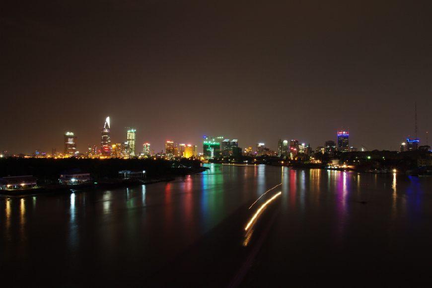 """越南的""""上海"""",为本国最大城市,经济实力不足上海1/10"""