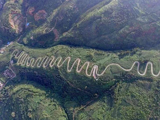 中国最弯的5条公路!