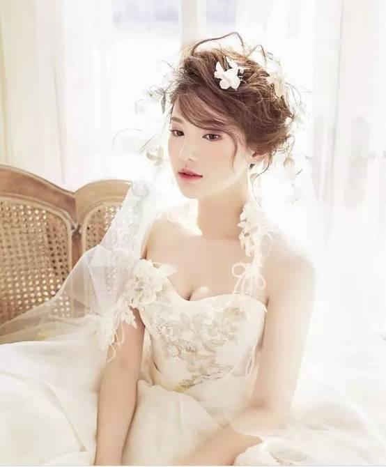 这些配手工饰品新娘造型,你还见过更美的吗?图片