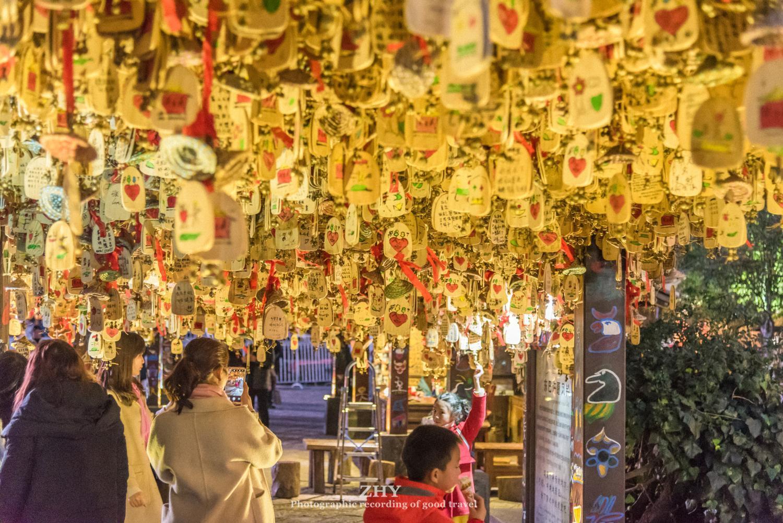 东巴许愿风铃,丽江古城最著名的地标,寄托着数万游人的心愿