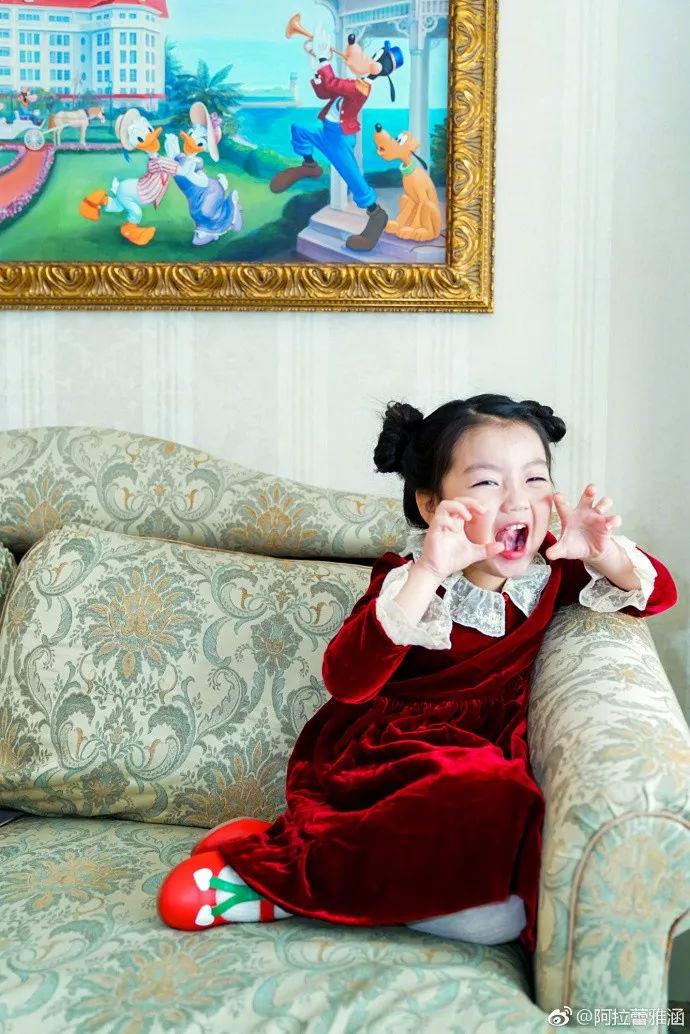 【组图】5岁就是否戛纳电影节?阿拉蕾过度被出席v组图了?龙咁威电影图片