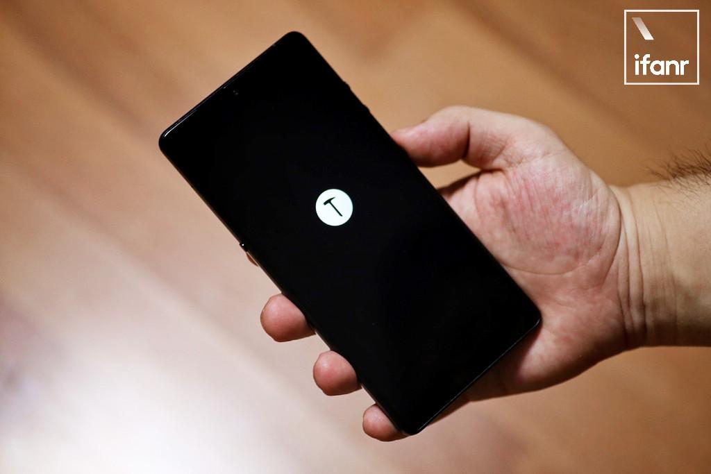 「将手机当做电脑用?」这个说法不新鲜,但锤子似乎搞错了方式