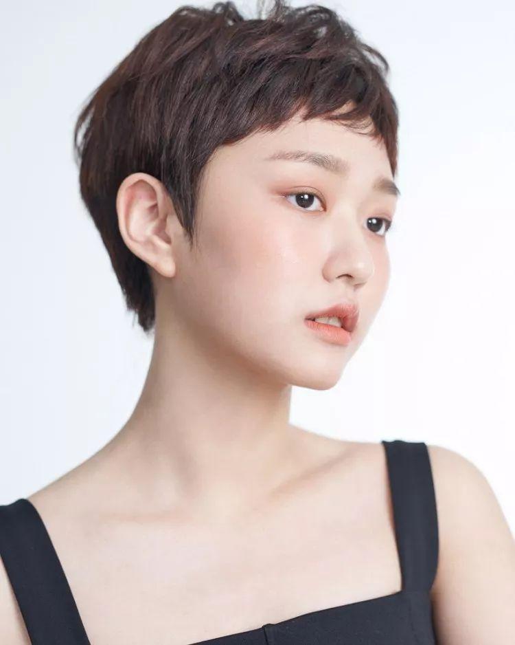 2018夏季最新流行发色发型大揭晓图片
