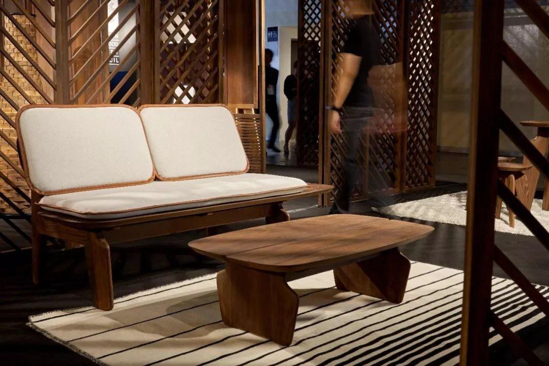 新加坡著名自然设计师JarrodLim:争着把家具搬深圳公司装修设计专业图片