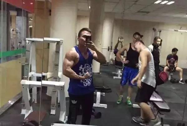 石家庄超越健身次卡_酷似甄子丹,这个西北汉子秀出一身好肌肉! - 雪花新闻
