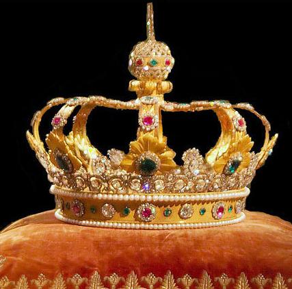 太奢侈 盘点各国君主的天价王冠 ,美到受不了