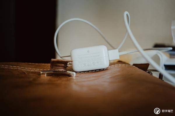 USB-C + PD 快充,传苹果将为新 iPhone 配备全