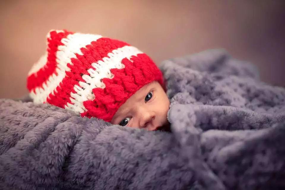 想要宝宝皮肤白嫩?孕期光吃叶酸可不够!去胎毒还得靠这些