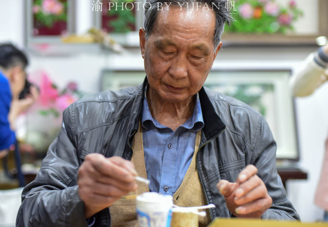 八十岁的老人制作不谢之花,绝艺面临失传,免费授徒可有人愿学?