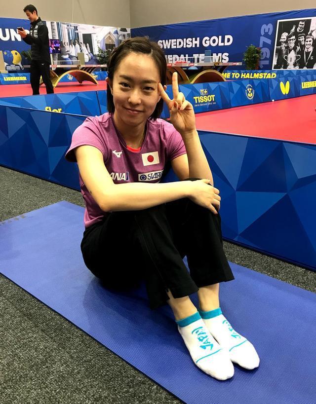 石川佳纯的袜子很特别!日本乒乓野心不小,东