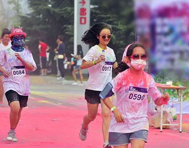 6月9日,龙井峡漂流国际狂欢节三渡彩虹跑首小学视频健美操儿童图片