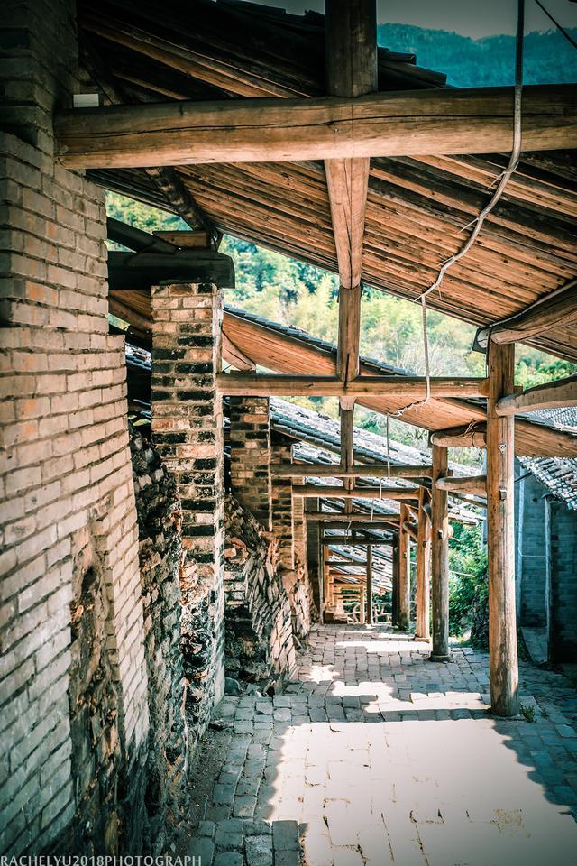 曾经有上万人居住,如今仅剩70人,想知道这座古村的前世今生