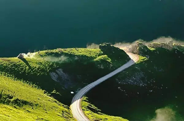 独库公路 ~ 一条拥有顶级风光的南北疆穿越之路