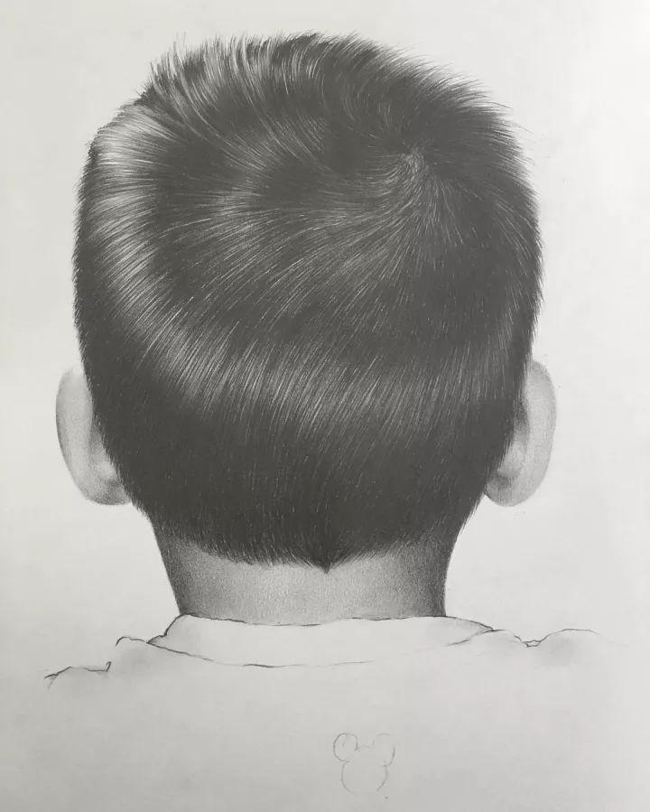 侧脸的手绘图片 彩铅