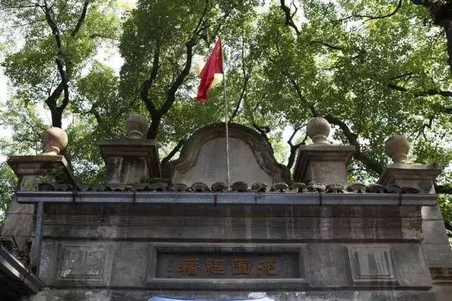 忘掉乌镇、西塘吧,这座古镇才是最美