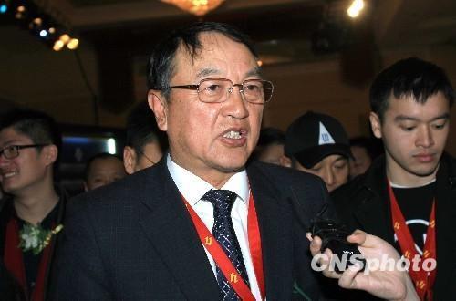 """柳传志怒斥""""卖国""""帽子沉寂两个月的贾跃亭也在微博发声"""