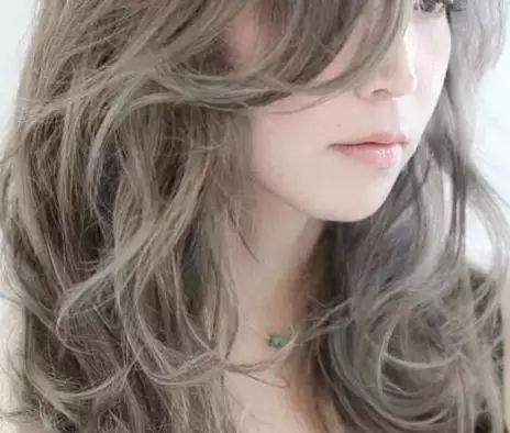 中长发配什么颜色好看 2018流行的头发颜色