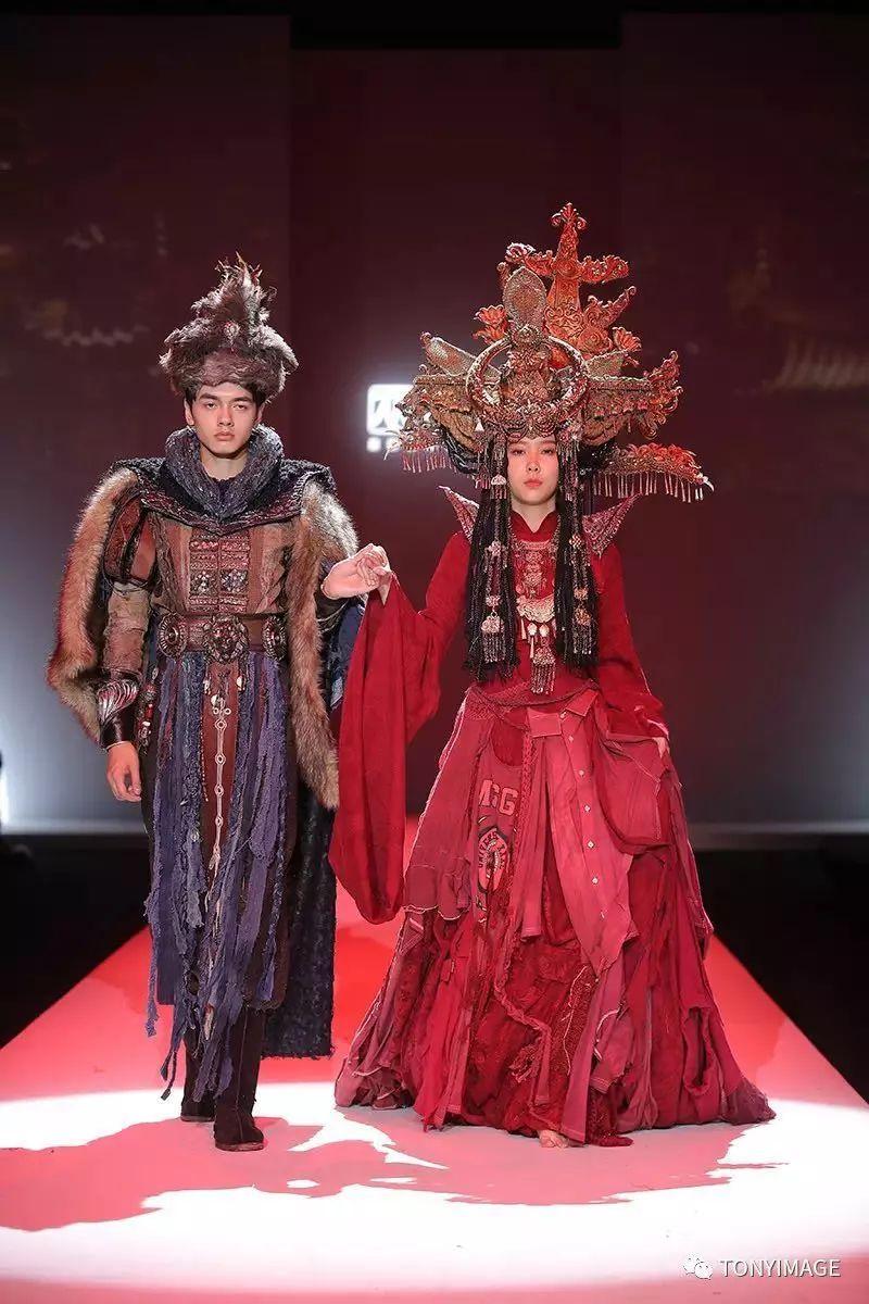 年轻一代的创意正在影响着未来的趋势和市场 舞台和影视剧服装设计图片