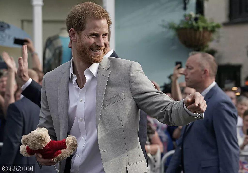 哈里王子今日大婚:不邀请政要,首相也不能来