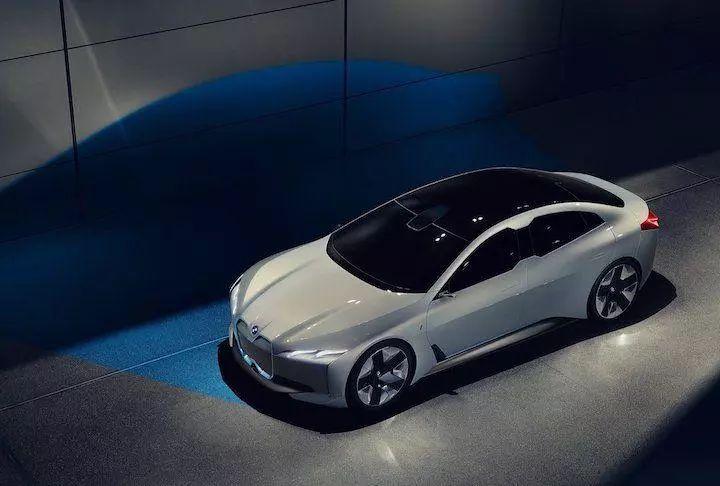 宝马2018股东年会:纯电动iNext概念车预览图释出